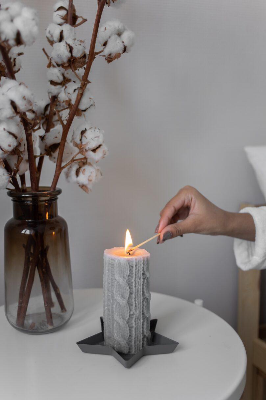 Komplettera din inredning med ett underbart doftljus